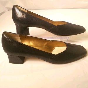 Vaneli black snakeskin textured pumps size 11